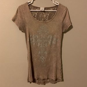 Day trip lace back tee